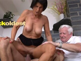 Old Man Licks Cum off His Wife Yetta cuckoldest kink 3some